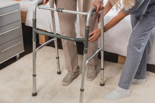 Przedłużanie samodzielności osób starszych i niepełnosprawnych w czynnościach dnia codziennego
